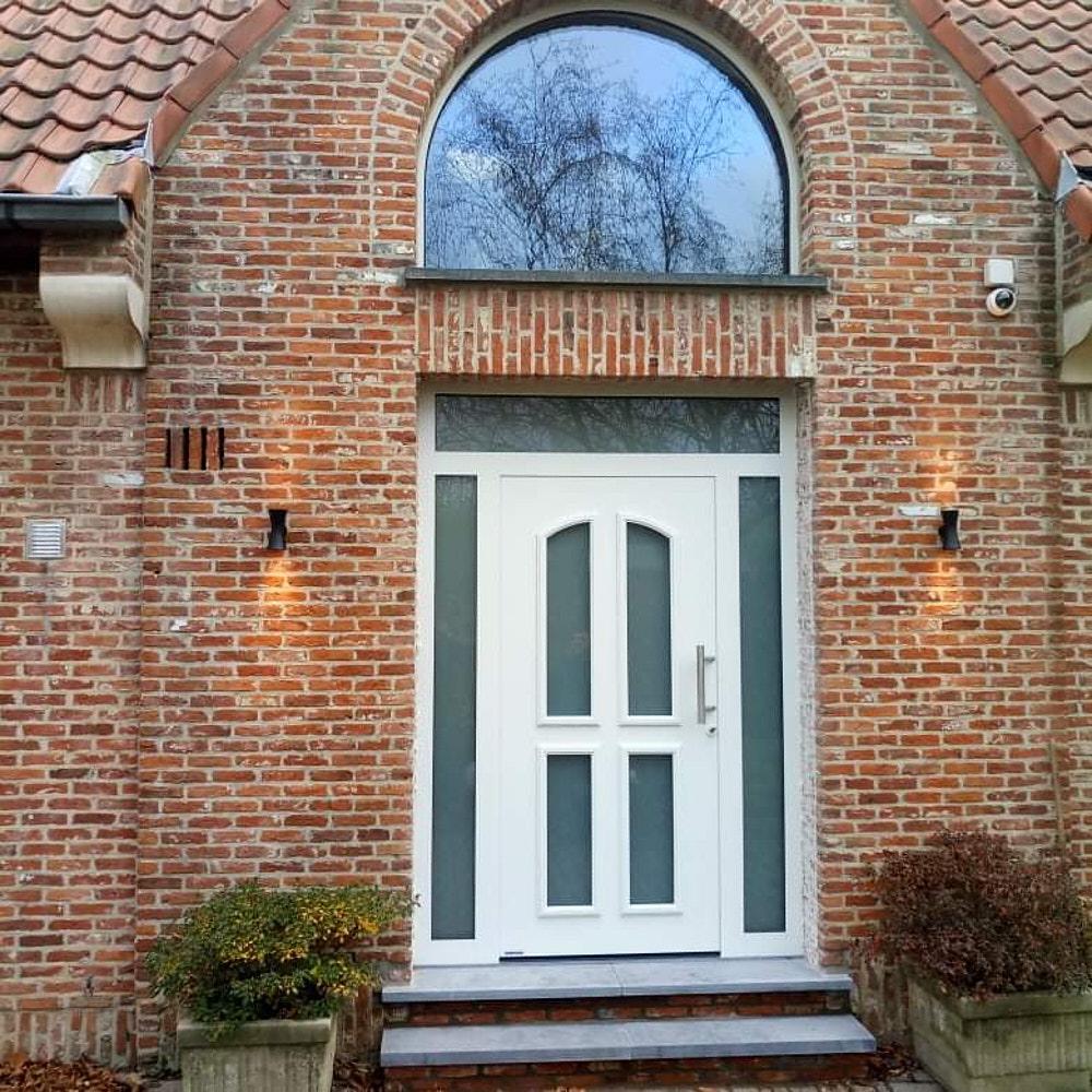 Pose de porte d'entrée aluminium, acier ou carbone - I.D DOOR SERVICES